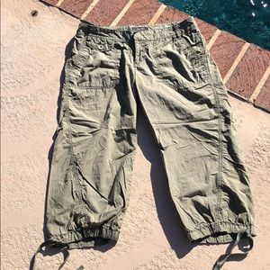 Express army green color capri style pants.